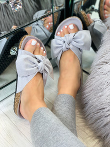Resort Plan Bow Sliders In Grey