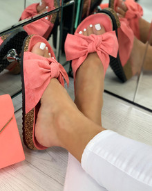 Resort Plan Bow Sliders In Coral