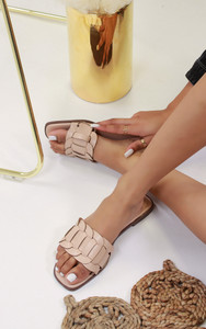 Cinnia Flat Sandals in Nude
