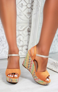 Paraiso Wedge Sandals in Camel