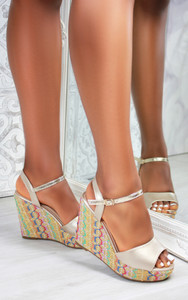 Paraiso Wedge Sandals in Gold