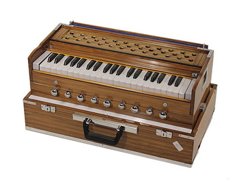 MM Kirtan Deluxe 3.5 Octave Harmonium (MMK004)