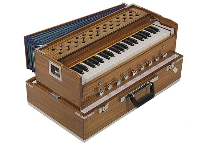 MM Kirtan Deluxe Harmonium 3.5 Octave