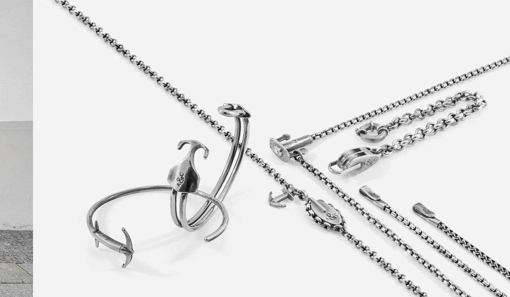 Design x Authentic Craftsmanship. Discover Chain Bracelets