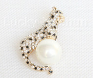 """stylish 2X1.5"""" leopard shape white south sea shell pearls Brooch gold plated j10765"""