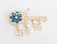"2""X1"" violin shape white south sea shell pearls Brooch crystal gold plated j10775"