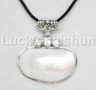 "stylish 2.5""X2"" natural white south sea shell pendant necklace 18KGP j12672"