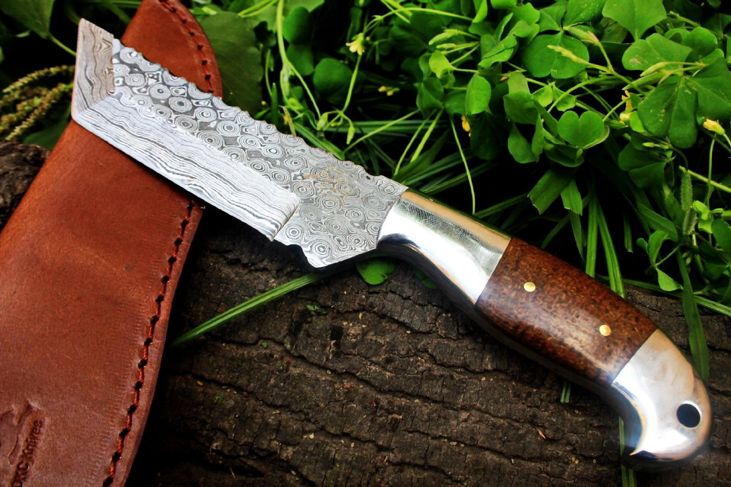 Damascus Steel Tanto Hunting Knife