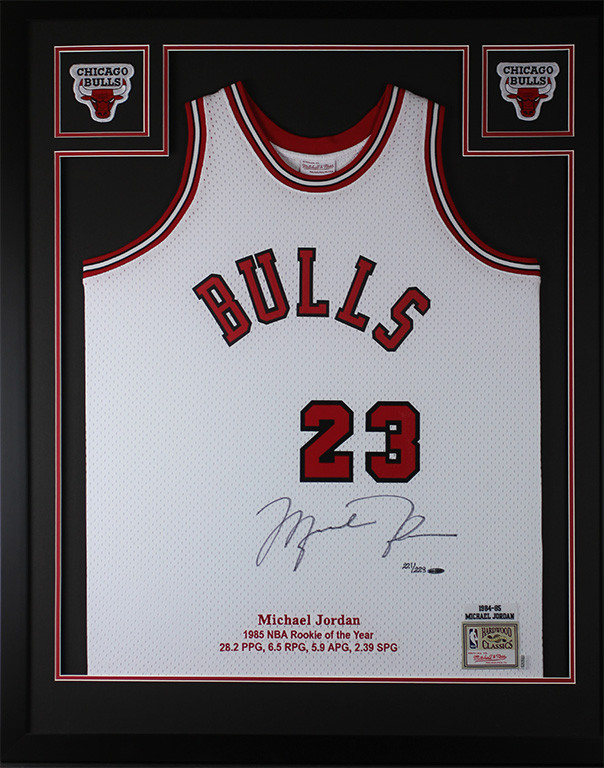 newest 8bacb 2fde2 Michael Jordan Autographed and Framed White Bulls Jersey