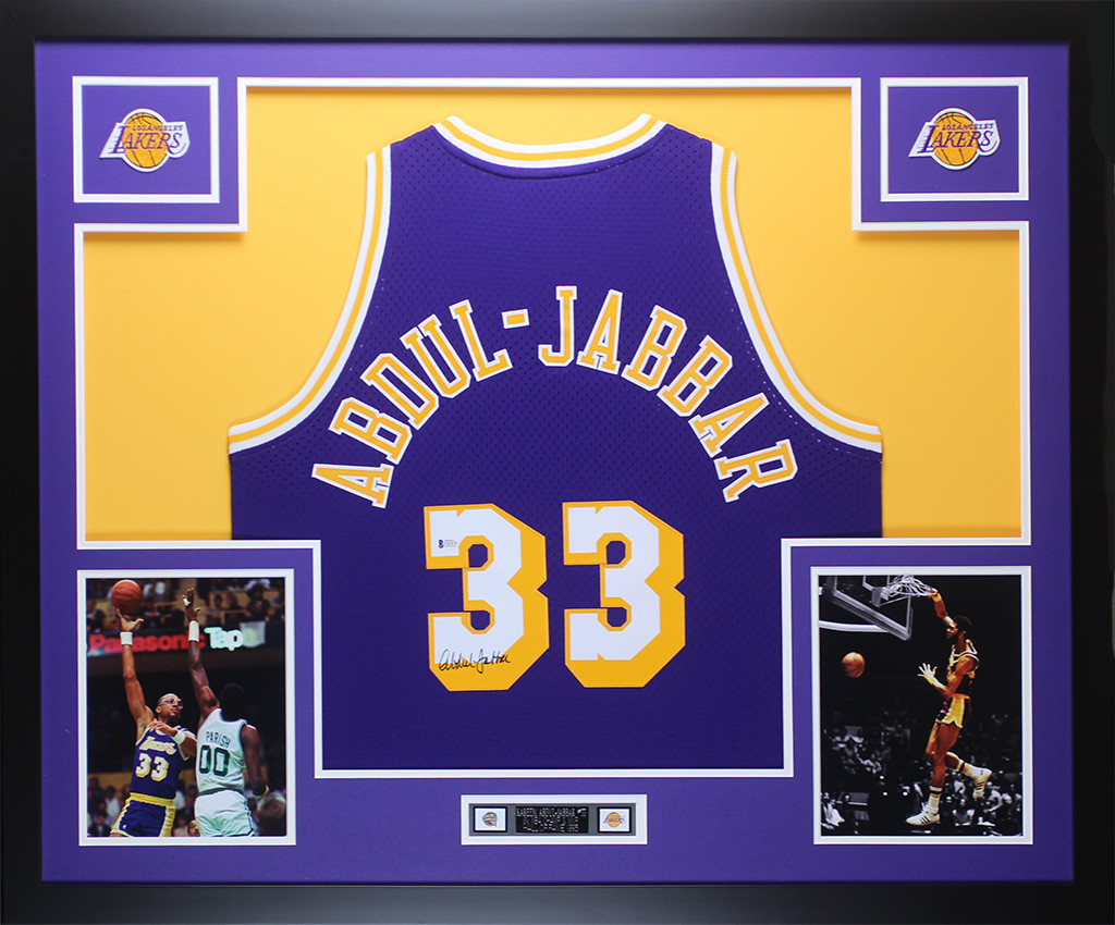 ffb005101 Kareem Abdul-Jabbar Autographed   Framed Purple Los Angeles Lakers Jersey  Auto Beckett COA. Loading zoom