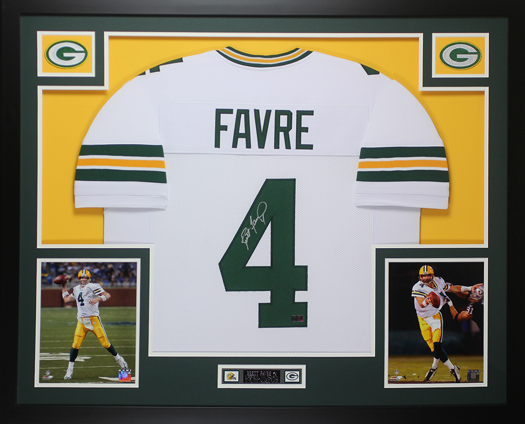 big sale 89ef6 b8bb3 Brett Favre Autographed and Framed White Packers Jersey