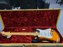 Fender MADE IS USA 60th Anniversary 1954 Stratocaster in 2 Tone Sunburst in Case #V1320928