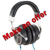 McIntosh MHP1000 Circumaural Headphones (Demo)