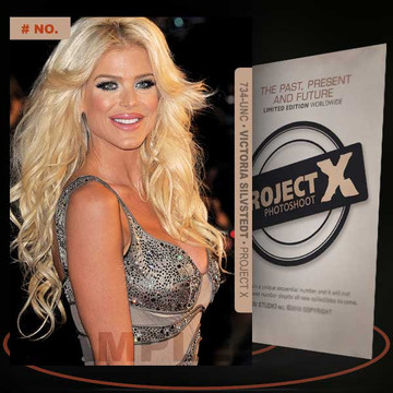 Victoria Silvstedt [ # 734-UNC ] PROJECT X Numbered cards / Limited Edition