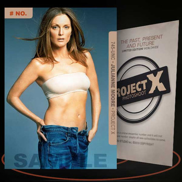 Julianne Moore [ # 745-UNC ] PROJECT X Numbered cards / Limited Edition