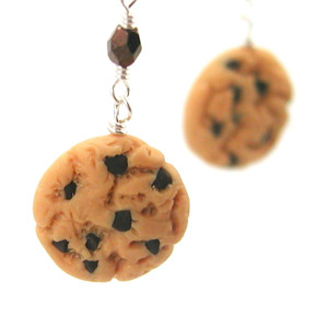 chocolate chip cookie earrings by inedible jewelry