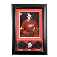 Deluxe Real Glass Wall Mounted Triple Puck 8 x 10 Display Case