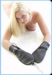 Bondage Mittens Leather