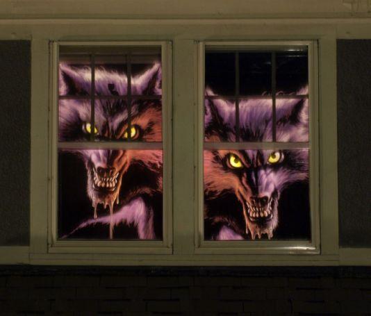 werewolf-sisters-leering-sml.jpg