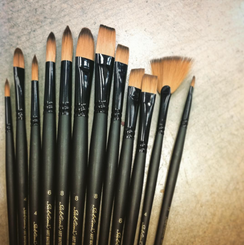 SALE! Sublime Artist Brush  Filbert #4
