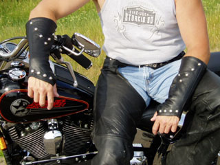 arm-chaps-motorcycle-4.jpg