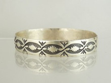 Tahe Handmade Sterling Silver Bangle Bracelet