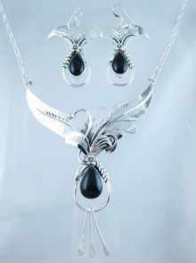 Sterling Silver Onyx Necklace & Earring Set (NK4070)