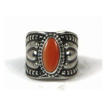 Spiny Oyster Shell Ring Size 7 by Derrick Gordon, Navajo (RG740)