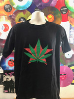 GARY GRIMSHAW POT LEAF  ON FRONT/TOTAL ENERGY ON BACK  -VINTAGE  -Tshirts