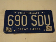 1987 MICHIGAN  Great Lakes License Plate 690 SDU