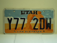 UTAH Life Elevated License Plate  Y77 2DW