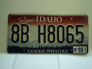 2002 IDAHO Famous Potatoes License Plate 8B H8065