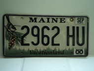 2000 MAINE Vacationland License Plate 2962 HU