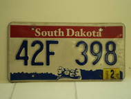 2004 SOUTH DAKOTA Mount Rushmore License Plate 42F 398