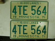 1971 Minnesota License Plate 4TE 564 Pair