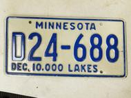 Minnesota Dealer 10,000 Lakes License Plate D24-688