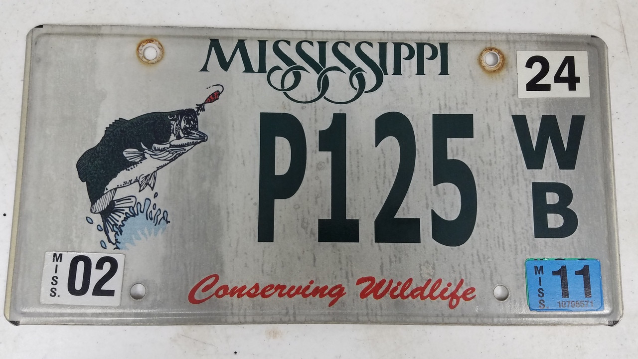 2011 Mississippi Conserving Wildlife Fish Bass License Plate P125 WB