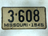 1945 MISSOURI Shorty 4 Letter Plate License Plate 3-608