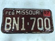 DMV Clear February 1967 MISSOURI Passenger License Plate YOM Clear BN1-700 MO