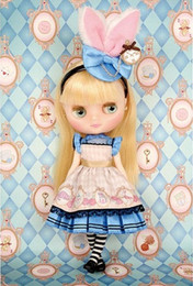 Middie Blythe Pebble Cake and Shrinking Alice