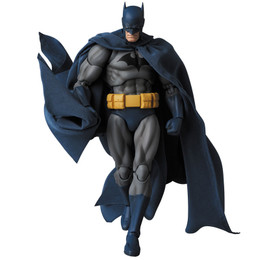 "MAFEX No.105 MAFEX Batman ""HUSH"""