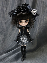P-033 Pullip Gothic Lolita Yuki-chan (Black Eyes Version)