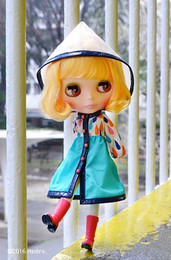 Neo Blythe Playful Raindrops