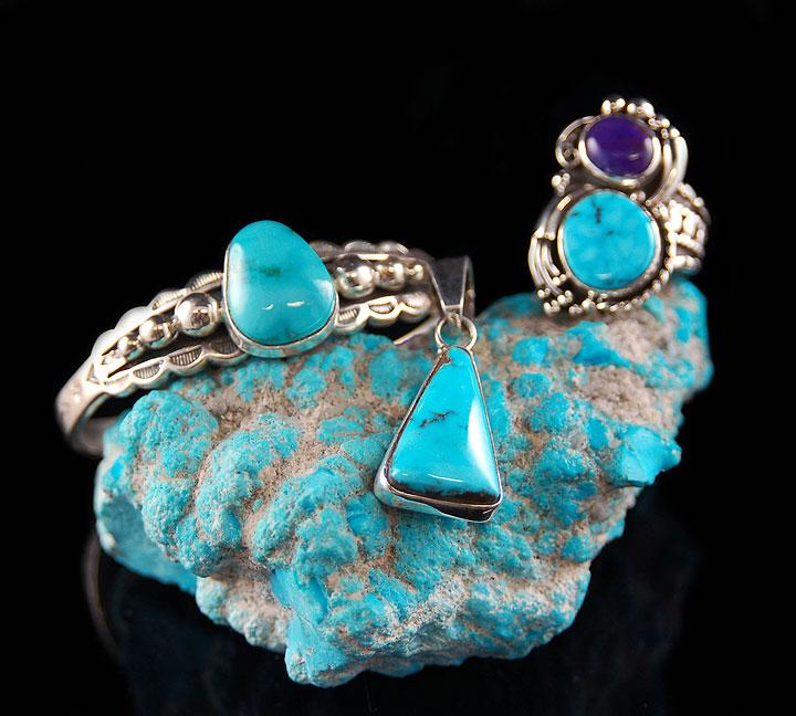 Arizona Turquoise jewelry on rough turquoise