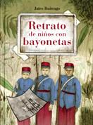 Retrato de niños con bayonetas - Photo of Children with Bayonets