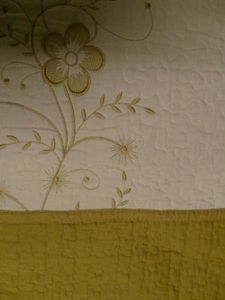 3 Pcs 100% Cotton Queen QUILT / BEDSPREAD Beige & Gold
