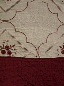 3Pc 100% Cotton Queen QUILT /BEDSPREAD Beige & Burgundy