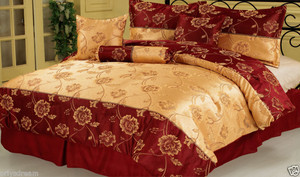 Queen size Bed in a Bag 7 pc. Jacquard  Comforter / Bedding / Bed Ensemble Set