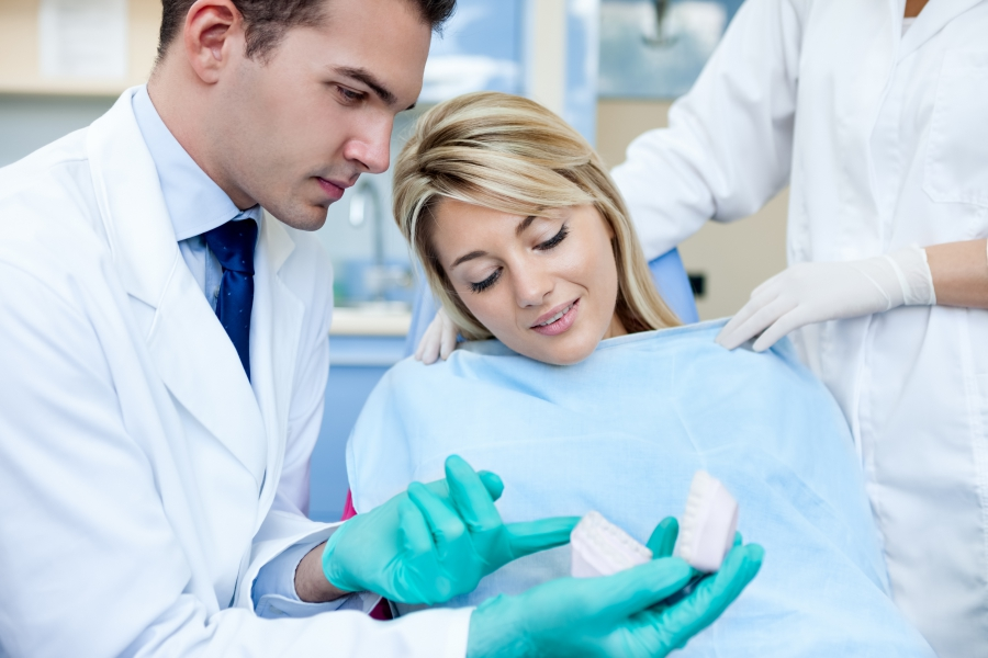 How to Correctly Choose Gloves for a Dental Office