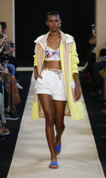 Leonard Paris Spring Summer 2018 Ready To Wear Look 3